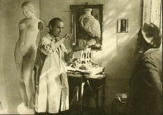 La tertulia Icre.cat del mes de febrero se centra en la revolución que experimenta la escultura europea a finales del siglo XIX, con el surgimiento de August Rodin primero y de Arístides Maillol después, autores que inician unas vías de trabajo nuevas y sorpresivos y que ejercerán su influencia ...
