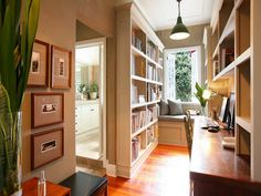Love the use of this narrow space. Very clever.
