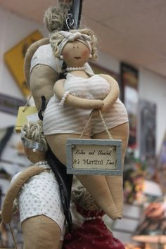 saw in a gift shop....(i wish i knew what shop...i'd buy it! these chunky gals are SO CUTE!!!)...