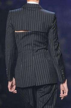 Jean Paul Gaultier at Paris Fashion Week Spring 2013 - Details Runway Photos Dolly Fashion, Vogue Fashion, Runway Fashion, High Fashion, Fashion Outfits, Jean Paul Gaultier, Paul Gaultier Spring, Fashion Week Paris, Tailored Fashion