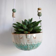 Image of Round wall hanging planter//1