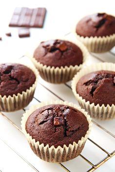 Coconut Flour Chocolate Muffins (VIDEO) – LeelaLicious