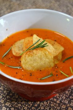 Sopa de pimentão e tomates (vegana)