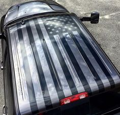 Normally we don't advise wrapping to roof of your car because of sun damage, but this is pretty cool.