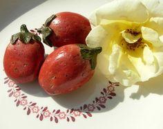 Keramik-Deko-Erdbeeren  Jetzt mit eigenem Shop: http://www.landhausidyll-gartenkeramik.de/online-shop/