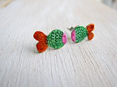 Cute fish stud earrings, small sterling silver posts for kids, teens, women, starsign pisces earrings, colorful studs, gift under 20 Gothic Wedding Rings, Cute Fish, Family Necklace, Fish Patterns, Orange Pattern, Engraved Rings, Cute Earrings, Hand Engraving, Green And Orange