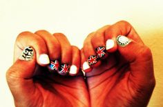 Chic of the Week: Poonam�s Olympian Mani