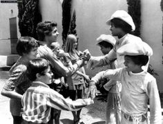 The Brady Bunch meet the Jackson 5 - 1971