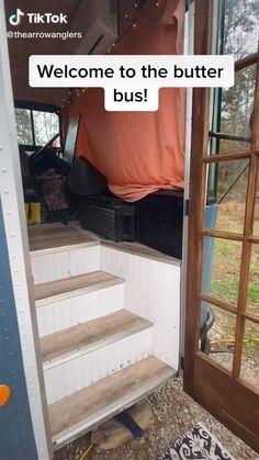 Van Conversion Interior, Camper Van Conversion Diy, Bus Living, Tiny House Living, Bus Life, Camper Life, Motor Casa, Minivan, School Bus Tiny House