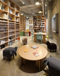 schemata architecture office: hue+    Definitely check out this link, awesome photography studio interior shots.