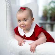 The Swedish Royal Family published two new pictures of little Princess Estelle, taken at Haga Palace. 2012