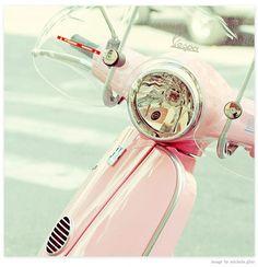 vespa-yes. I'd like a pink vespa Vespa Rose, Pink Vespa, Pretty Pastel, Pastel Pink, Pastel Colours, Pink Color, Blush Pink, Pastel Shades, Rosa Vespa