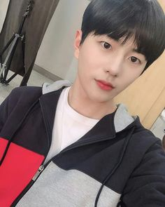 최보민さんはInstagramを利用しています:「[#Golden_Child] [📺] PM 7:00 V LIVE, 네이버TV, 유튜브, 페이스북에서 방송되는 '에이틴 시즌2' 많은 시청 바랍니다. #숨은_류주하_찾기 👀🔍」 Extended Play, Jaehyun, Nam Woo Hyun, Drama, Kim Myung Soo, Woollim Entertainment, Golden Child, Kim Min, Boy Groups