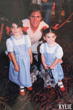 Kylie Jenner has joined celebrities around the world to celebrate Father's Day. Bruce Jenner, Kendall Jenner Style, Kendall And Kylie Jenner, Kardashian Family, Kardashian Jenner, Jenner Girls, Jenner Family, Jenner Sisters, Short Sleeve Dresses