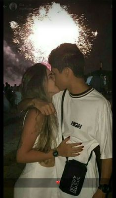 Cute And Sweet Relationship Goal All Couples Should Aspire To; Lov… Cute And Sweet Relationship Goal All Couples Should Aspire To; Couple Goals Relationships, Relationship Goals Pictures, Relationship Advice, Parejas Goals Tumblr, Couple Goals Cuddling, Win My Heart, Bae Goals, Cute Couple Pictures, Young Love