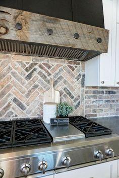 Wandtegels keuken voorbeelden: oude stenen als wandtegels