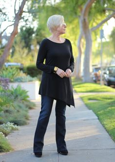 How Sweet It Is. Hitting my Style Sweet Spot in @EILEEN FISHER tunic, Citizens of Humanity bootcut jeans.