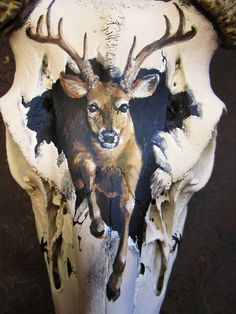 Sommers End Originals Michele (Erickson) Sommers. Deer Skull Decor, Painted Animal Skulls, Cow Skull Art, Deer Art, Deer Mounts, Hunting Art, Antler Art, Skull Painting, Bone Carving