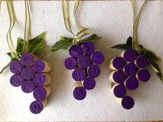 Wine Cork Ornament Wine Cork Wine Charm Wine di WineItOut su Etsy