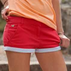 Southern Marsh Brighton Seersucker Chino Shorts in Strawberry Fizz from Glik's. Saved to Southern Marsh. Preppy Outfits, Preppy Style, Spring Outfits, Cute Outfits, My Style, Miami Outfits, Holiday Outfits, Fashion Outfits, Southern Marsh