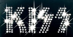 Kiss in Lights. Kiss Logo, Kiss Concert, Kiss Me Love, Vintage Kiss, Kiss Pictures, Sent Bon, Lighting Logo, Kiss Band, Ace Frehley