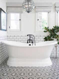 The Color Scheme That Never Fails to Deliver a Stylish (and Serene) Bathroom | Apartment Therapy