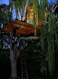 TREE HOUSE – i love a treehouse that includes a generous front patio.