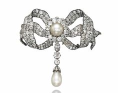 Antique Natural Pearl And Old-Cut Diamond Devant-de-Corsage Brooch Mounted In Silver And Gold c. Art Deco Jewelry, I Love Jewelry, Fine Jewelry, Jewelry Design, Victorian Jewelry, Antique Jewelry, Vintage Jewelry, Ribbon Jewelry, Pearl Jewelry