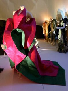 The Glamour of Italian Fashion V&A Museum 2014
