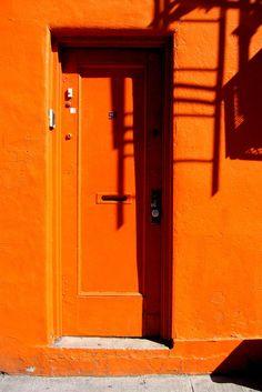 orange door by niznoz Orange Aesthetic, Rainbow Aesthetic, Aesthetic Colors, Aesthetic Pictures, Orange Door, Orange Walls, Photo Wall Collage, Picture Wall, Wallpapers En Hd