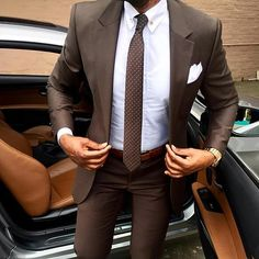 Describe this outfit with one emoji #menwithclass
