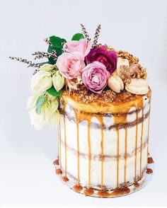 Peanut Butter , Salted Caramel + Vanilla Bean flourless naked layer cake baked to celebrate a baby shower over the weekend ✨ Beautiful Wedding Cakes, Gorgeous Cakes, Pretty Cakes, Amazing Cakes, Cake Wedding, Wedding Reception, Caramel Drip Cake, Caramel Cookies, Nake Cake