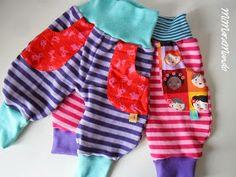 Frida del Milchmonster...ya os enseñé más pantalones de estos...es un patrón muy simple y comodísimo para los peques...las etiquetas van cu...
