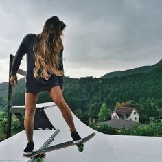 It's so cool how you can find happiness from a piece of wood /Asiaskate/ #skateboard_girl_style