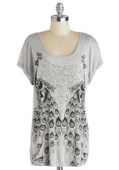 Come into Plumage Tee. You truly flourish when you don this heather grey tees peacock print! #grey #modcloth