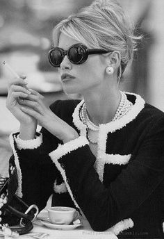 Chanel classic minus the cigarette! Love this timeless outfit.