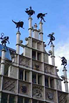 Dancers on the roof - Ghent, Belgium