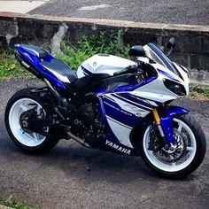 FRESH R1! DoubleTap if you want it. #superbikes2015  @xrisxtreme