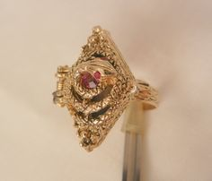 Cant miss todays arrivals Rare Ornate poison Snake red rhinestone Ring