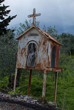 Roadside Shrine                                 Cirruagazer's photostream http://www.flickr.com/photos/brianstewart/