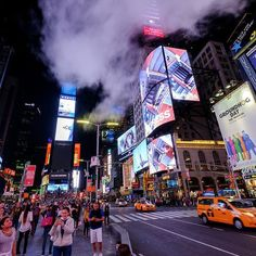 Time Square in New York by night. Always very crowded but an amazing place to visit.   #derooijfotografie #timesquare #manhattan #neon #photoinspirationclub #cityscape #cityscapes #citytrip #smoke #night #nightphotography #ny #nyc #broadway #city #fujixt2 #fujifilm #fujifilmxt2 #reisgeheim