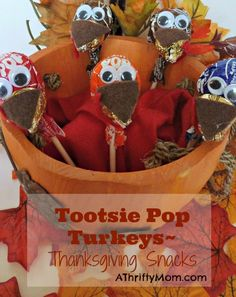Tootsie Pop Turkey ~ Easy Thanksgiving Snack | #thanksgiving #openroad #roadzies