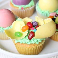 35 Adorable Easter Cupcake Ideas - Easter Jelly Bean Cupcakes