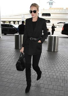 Rosie Huntington-Whiteley just told us what her favorite pair of black skinny jeans is - come see!