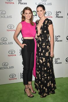 Stana Katic Photos: 24th Annual Environmental Media Awards Presented By Toyota And Lexus - Arrivals