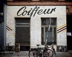 Love the unfinished facade Burger Bar, Shop Facade, Cafe Shop, Shop Fronts, Environmental Graphics, Retail Space, Logo Nasa, Retail Design, Typography Design