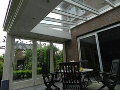 overkapping met een glazen dak