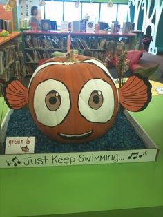 This Nemo pumpkin is a 2012 entry in the Keller Public Library pumpkin decorating contest. Fete Halloween, Holidays Halloween, Halloween Pumpkins, Halloween Crafts, Holiday Crafts, Holiday Fun, Halloween Decorations, Pumpkin Decorations, Halloween 2015