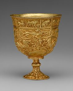 Stem Cup Period: Period of Tibetan Empire Date: century Culture: China (Xinjiang Autonomous Region, Central Asia) Medium: Gold with repoussé decoration Dimensions: H. of mouth 2 in. Gold Cup, Ancient Jewelry, Objet D'art, Ancient Artifacts, Central Asia, Chinese Art, Chinese Zodiac, Asian Art, Archaeology