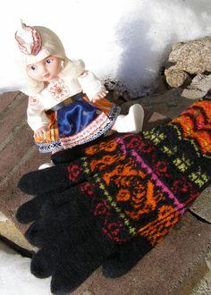 Yllep`s handicrafts  Ylleps Muhu gloves